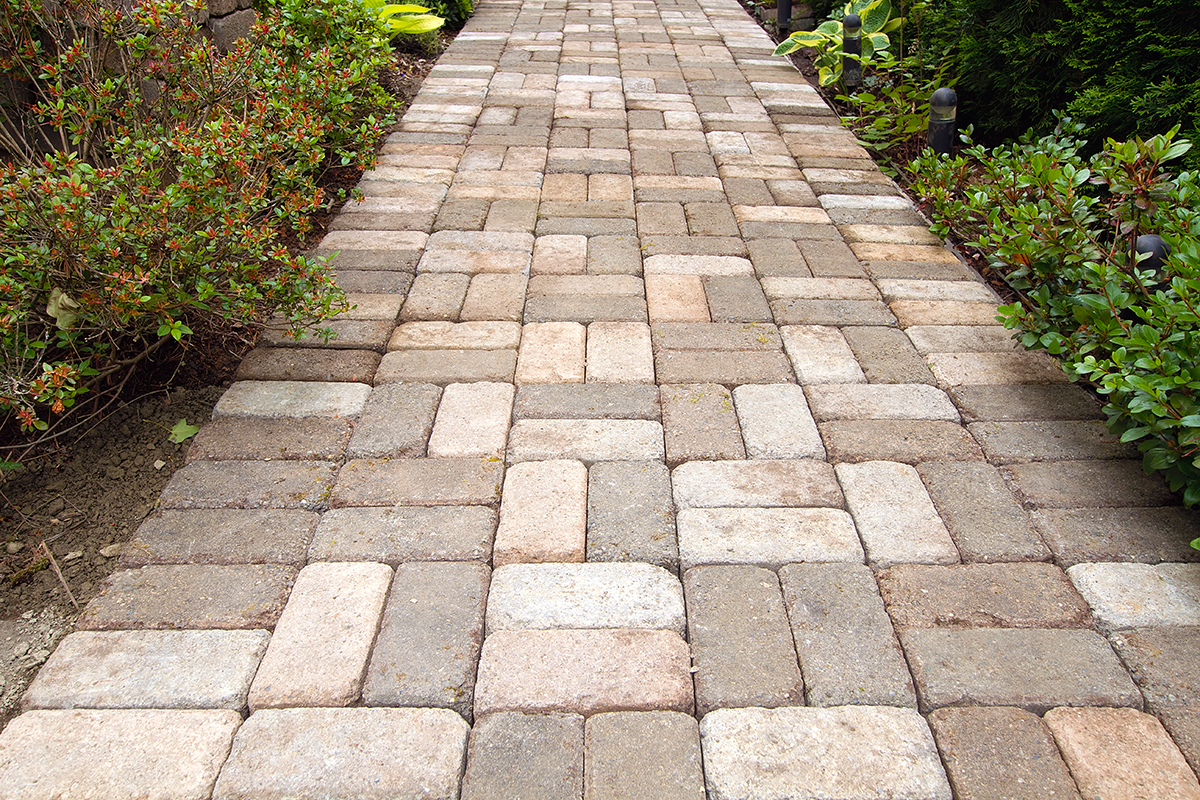 retaining walls & pavers